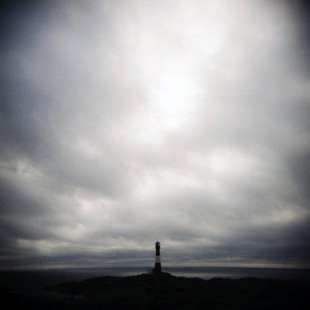 Sånn ser den ut, helt ytterst på Eigerøy, foreviget med Holga.
