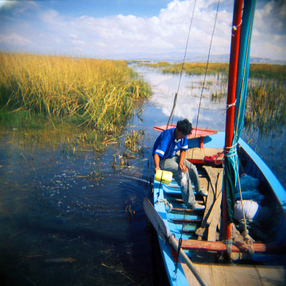 Edwin Condori Quispe er fisker på Titicacasjøen mellom Bolivia og Peru.