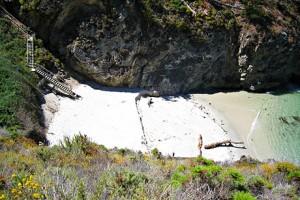 Slik ser China Cove ut, men vi fikk bare sett på avstand, fordi siste trappetrinn var ødelagt.
