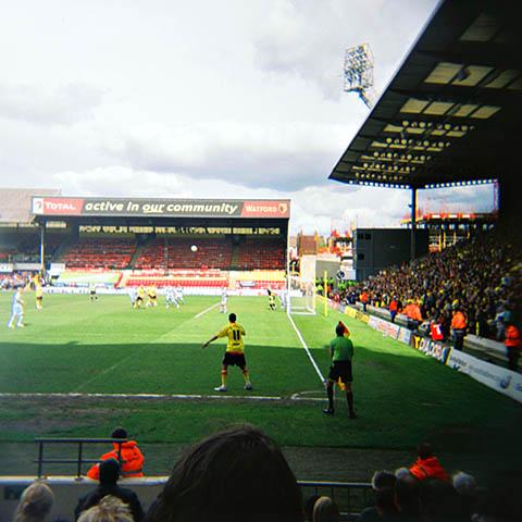 Watford - Derby 3-1, storkamp nummer to denne helgen. Her er det corner for Watford i andre omgang.
