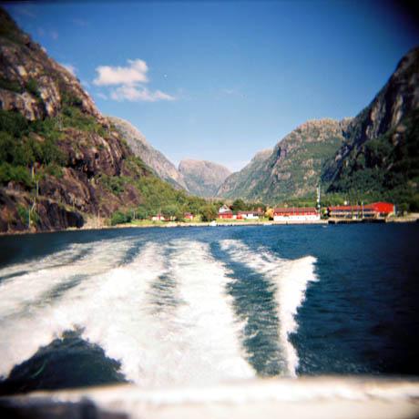 På vei ut fra Lysebotn med hurtigbåten Lysefjord.
