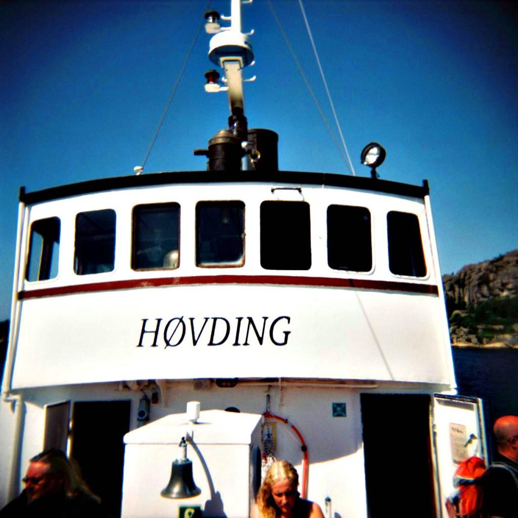 Jeg tok med meg mitt Holga-kamera på et visecruise i regi av Visefestivalen i Egersund med veteranbåten Høvding.
