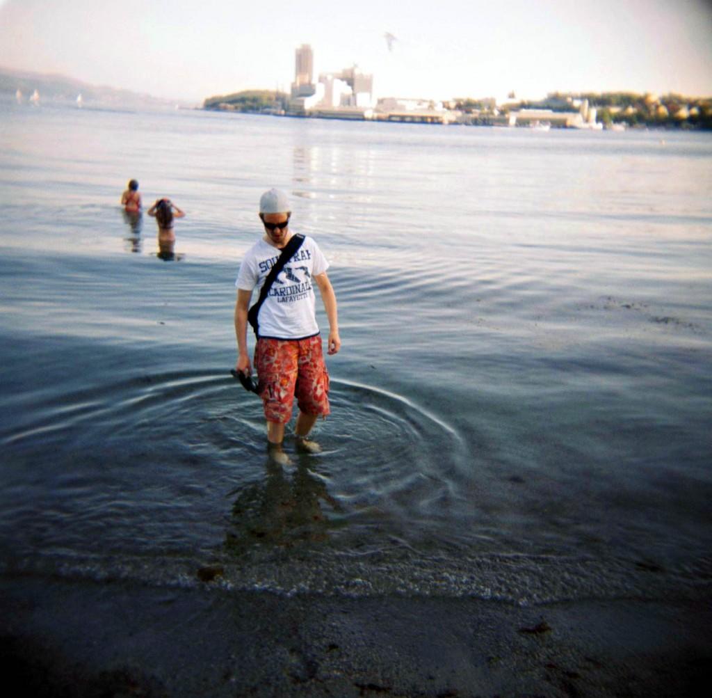 Gunvar prøvde også det nokså kalde vannet. Selv holdt jeg meg på land.
