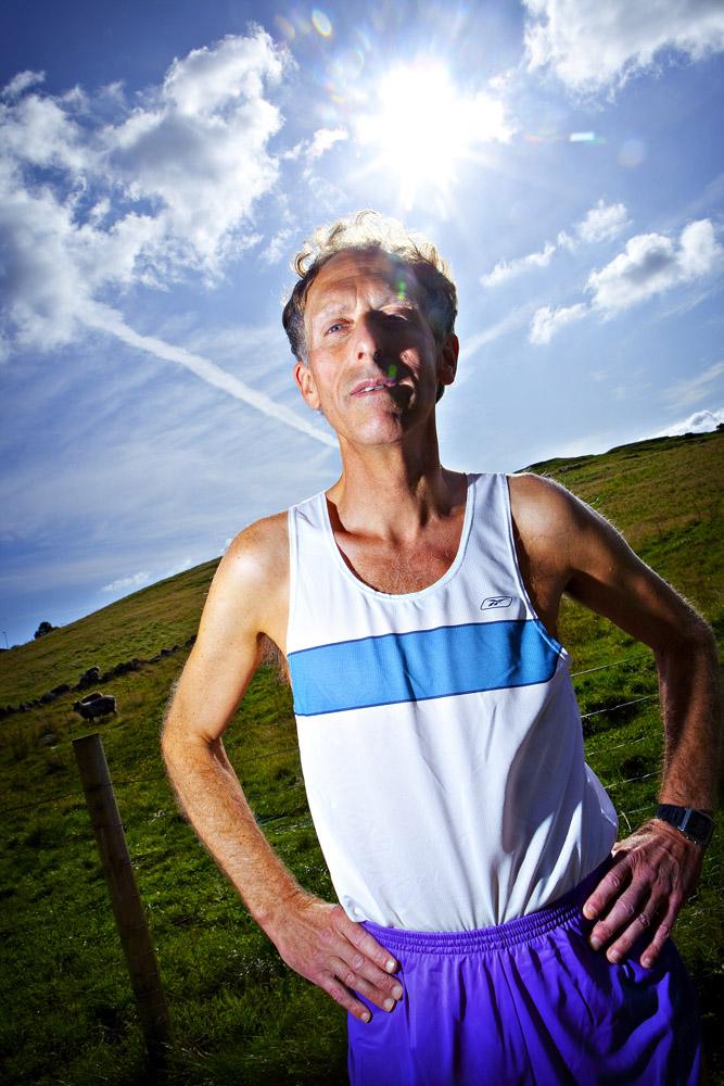 Verdensrekorden han en gang satte var på 2.01.01. Den ble satt under........